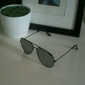 Other - Unisex Sunglasses NWT